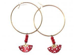 Diseño exclusivo, Arete grande con cristal rojo y abanico pintado a mano, rojo con lunares blancos. Modelo Arol2