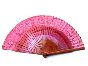 Abanico color rosa palo. Modelo Fresas