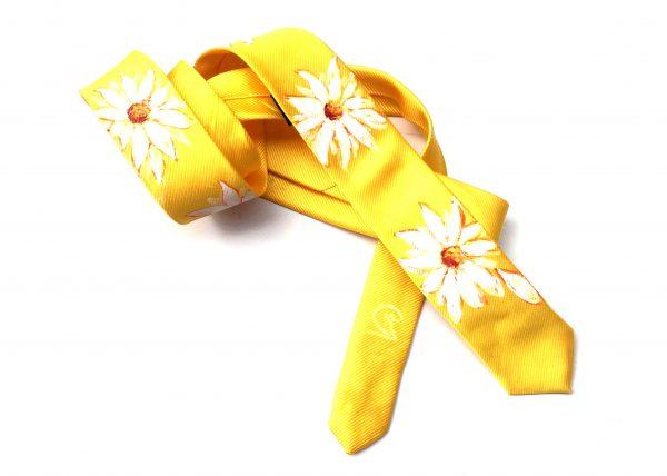 Corbata pintada exclusiva. Modelo Margarita flor