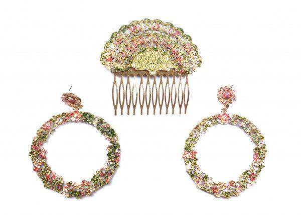 Conjunto de pendientes redondos y peina, pintada con colores pastel. Modelo Rococó 01