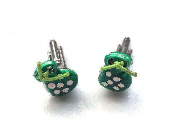 Gemelos Verdes. Castañuela verde con lunares blancos
